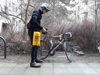 Fahrrad-putzen-portable-power-washer-hochdruckreiniger
