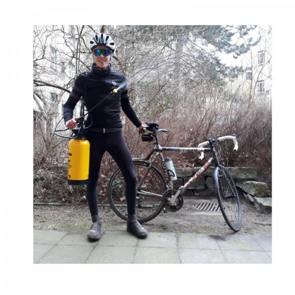 Fahrradwaschen mit tragbarer Handpumpe